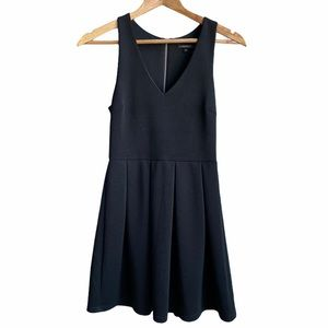 The Vintage Shop A-line sleeveless dress, black. S